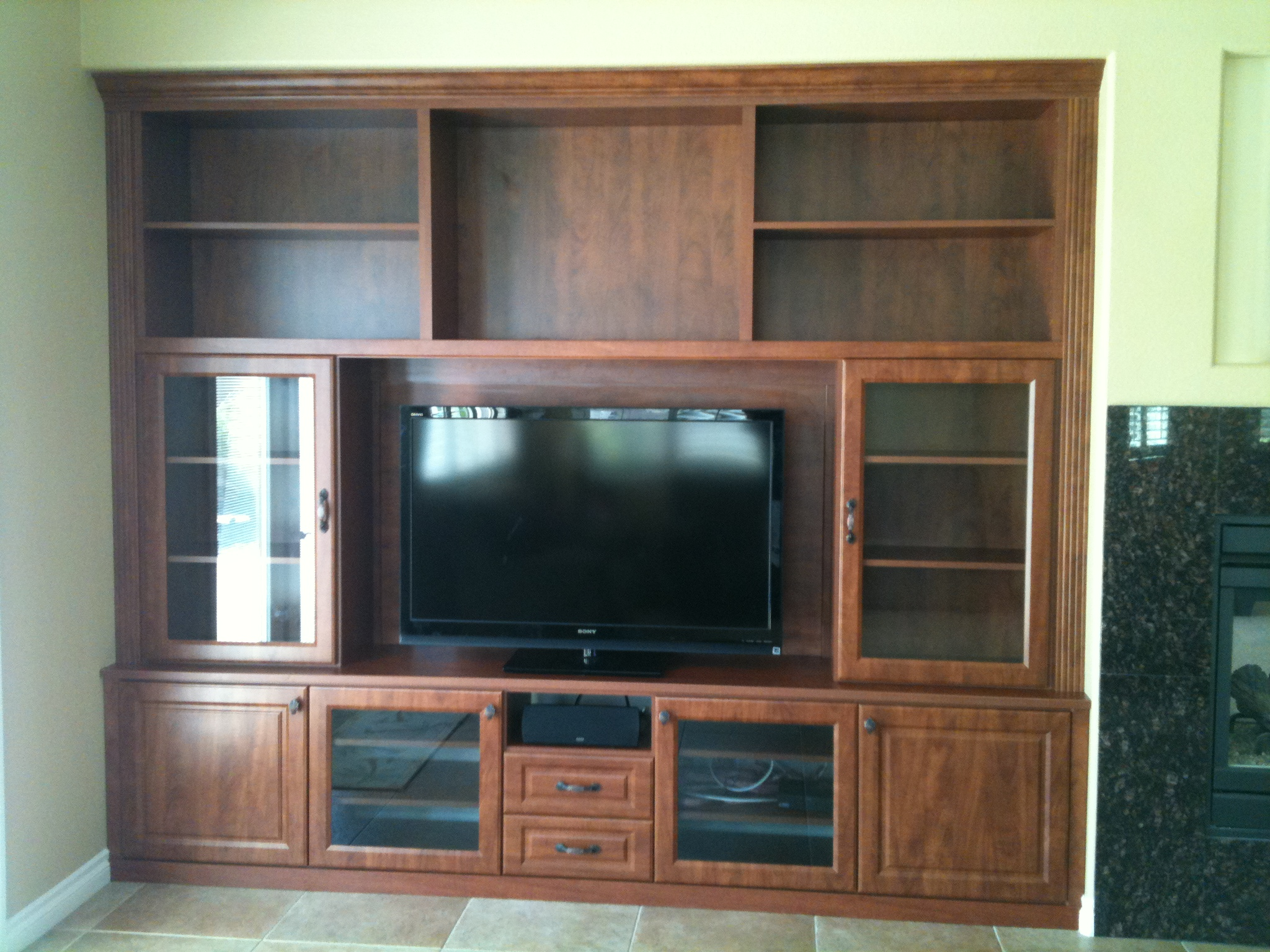Las Vegas Entertainment Centers Custom Closet Systems Inc